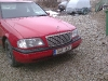 Mercedes Punane